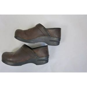Dansko Shoes - DANSKO Brown Leather Shoes Size 39 US Size 9
