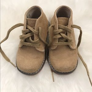 FootMates Other - Toddler boy suede chukka boots 4.5