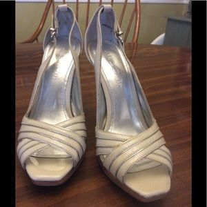 Aldo Shoes - Aldo white and silver heels