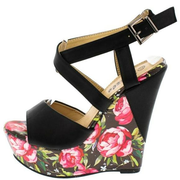 0682241a626  ale🔥Black Pink Floral Platform Wedges. Boutique. Pazzle