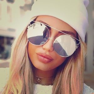 unbranded Accessories - ✨1 Left 🎉Sale✨ Silver Cat Eye Mirror Sunglasses