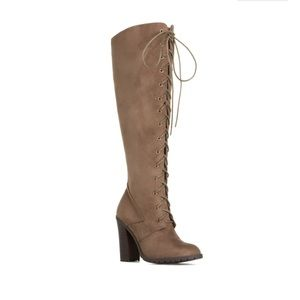 ShoeDazzle Shoes - 🌟 FLASH SALE 🌟 Reese Knee High Boots