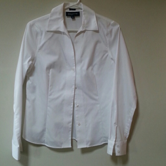 Jones New York Tops - Wrinkle free tailored white blouse NWOT.