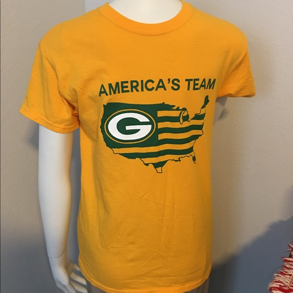 2d6f7220b Gildan Other - Green Bay Packers America s team T-shirt ...
