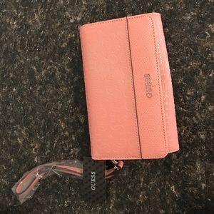 Guess Handbags - BRAND NEW Guess Wristlet