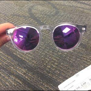 Illesteva Accessories - Illesteva sunglasses really cool never worn