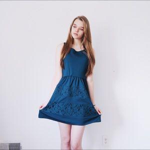 ✨Teal Midi Dress w/ Lace Detail✨