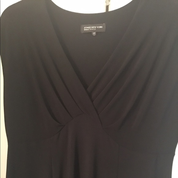 Jones New York plus size black midi dress