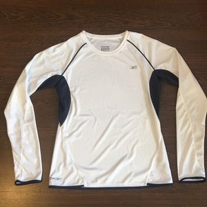 Reebok Tops - Reebok Long Sleeve 100% Polyester Women's Medium