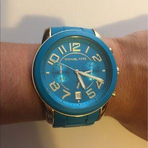 Michael Kors Accessories - Michael Kors watch pre- owned ❤️❤️❤️