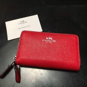 Coach small dab zip wallet