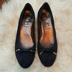 AGL Shoes - AGL Attilio Giusti Leombruni Navy Suede Pumps