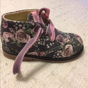 Primigi Other - Primigi floral boots