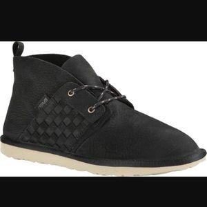 Teva Shoes - NEW TEVA COROMAR. Original box.