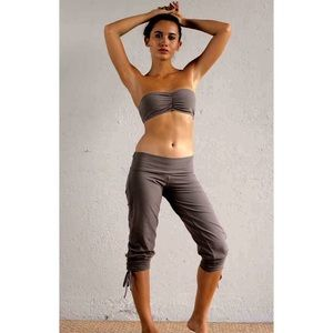Zenana Outfitters Other - Zenana Outfitters Earth Gray Bandeau Top OSFM