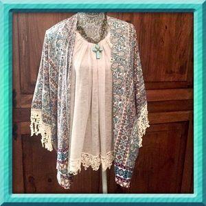 Threadzwear Tops - ❣️Last 1❣️M/L Crochet Trimmed Kimono