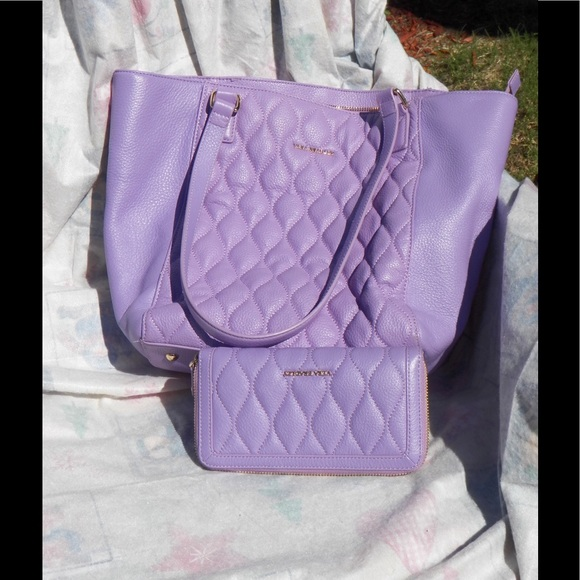 60 Off Vera Bradley Handbags Vera Bradley Quilted Sm