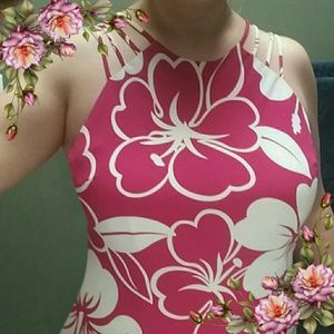 SL Fashions Dresses & Skirts - Super flattering floral dress. Offers are welcome