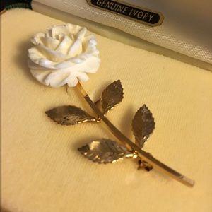 Jewelry - VTG Genuine Ivory Brooch