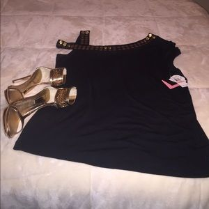 New with Tag! Black and gold top