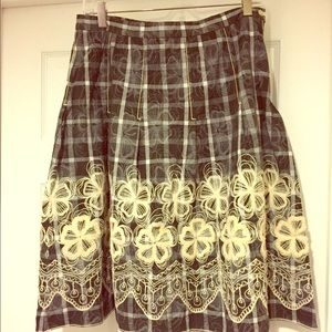 Max studio embroidered skirt