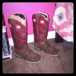 Ariat Other - Ariat Boots