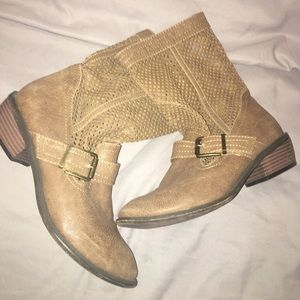 Restricted Shoes - Tan cutout boots