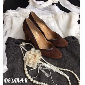Delman Shoes - Vintage Delman Brown Suede Pumps