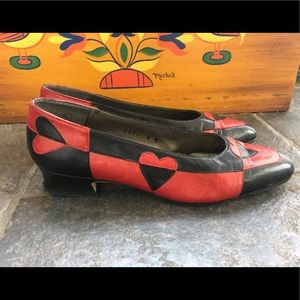 "Margaret J Shoes - Vtg ""Queen of Hearts"" 🖤❤️ leather flats W6 narrow"