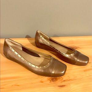 Easy Spirit Shoes - Metallic Brown/Gold flats
