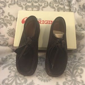 Clarks Shoes - Clarks wallabees chocosuede 7 1/2