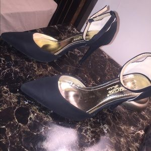 Shoes - Elegant Black heels