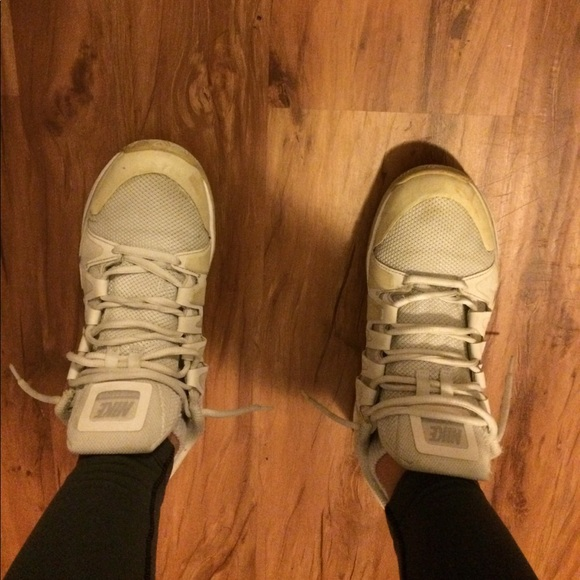 How To Clean Tennis Shoe Insoles