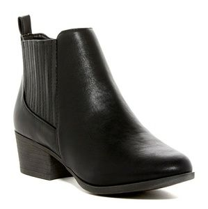 Madden Girl Shoes - New in box Madden girl ankle boots