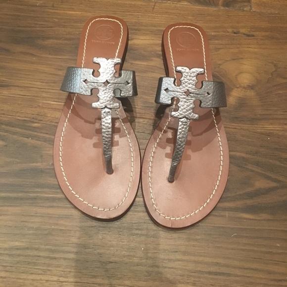 3dcf30829 Tory Burch Moore logo sandal