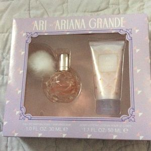 Ariana Grande Other - Ari By Ariana Grande Fragrance Gift Set 2 -Piece