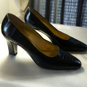 Bruno Magli Shoes - BRUNO MAGLI Leather Pumps -Reconditioned on bottom