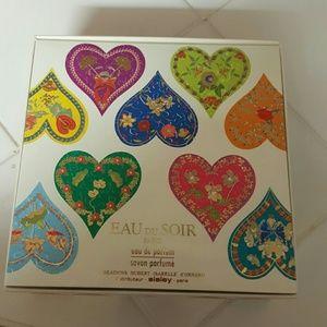 Eau du soir Paris parfume gift set by sisley