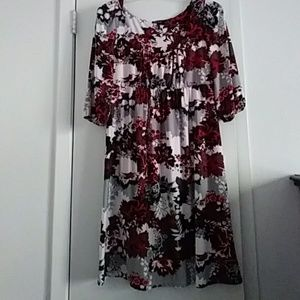 Daisy Fuentes Dresses & Skirts - Floral print empire waist dress - Size Large