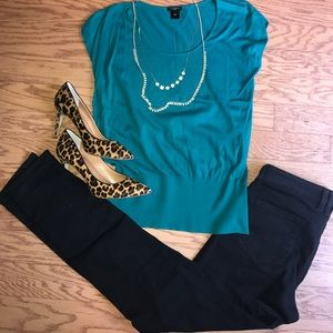 Ann Taylor Emerald Cap Sleeve Sweater. Size Small
