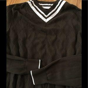 Black Brown 1826 Other - Black Brown 1826 VNeck Sweater in Olive Green