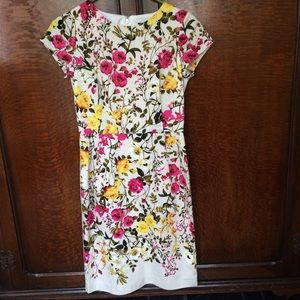 Adrianna Papell Dresses & Skirts - Adrianna Papell Flower Dress