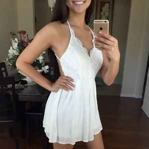 LAST ONE!! - White Laced Cross-Back Romper 🌹