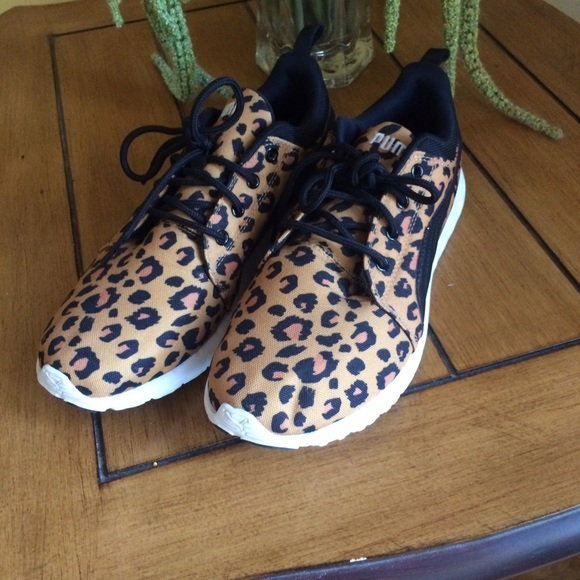 c84a087779ed5f NWOB WOMEN S CHEETAH PRINT PUMA SNEAKERS. TOO CUTE.  M 58e699dabf6df509710144e2