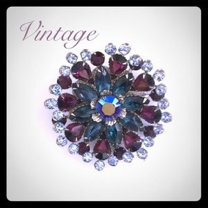 Jewelry - Vintage Rhinestone brooch