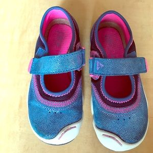 PLAE Other - Plae toddler girls size 10 shoe. Wide Mary Jane