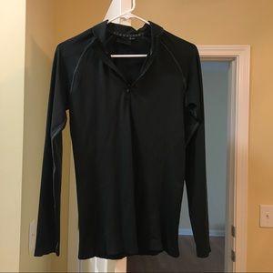 Alphalete black Zenith pullover.