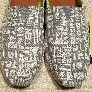TOMS Shoes - SALE 🔥TOMS 10th Anniversary Chambray a5eb44849d3