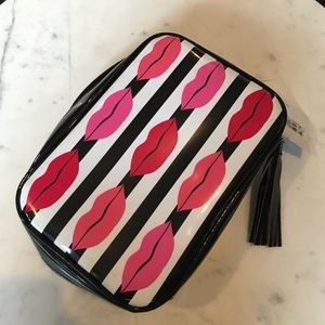 NWT Large Macy's Makeup Bag with Lip Design