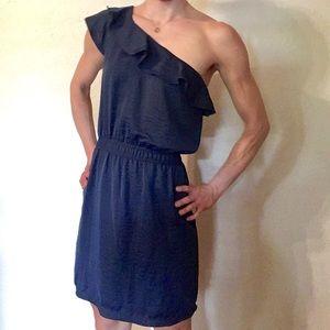 Chelsea & Violet Dresses & Skirts - Chelsea & Violet One-shoulder ruffle dress!